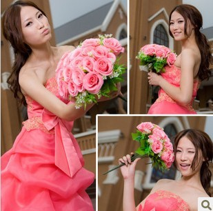 The most beautiful bride holding flowers Korean version of pink holding flowers simulation spent Hot! Holding flowers 01 pink Y5