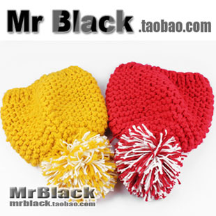 Ultralarge 2012 two-color fur ball knitted hat pineapple knitting wool cap red