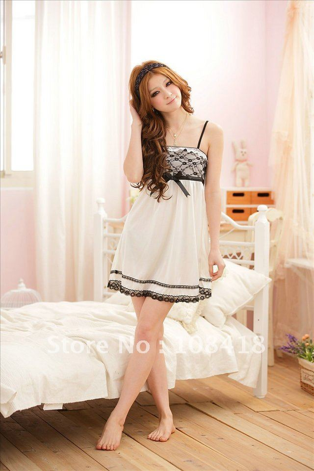 wholesales free shipping 2012 new hot-selling white sexy bud silk ladies's nightgown
